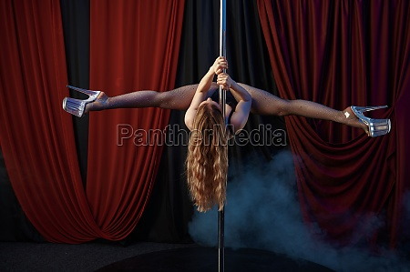 showgirl pole dance striptease dancer