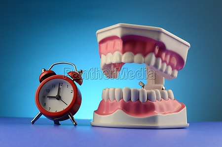 dentist appointment clock