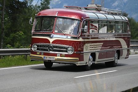 oldtimer bus im salzkammergut oberoesterreich OEsterreich