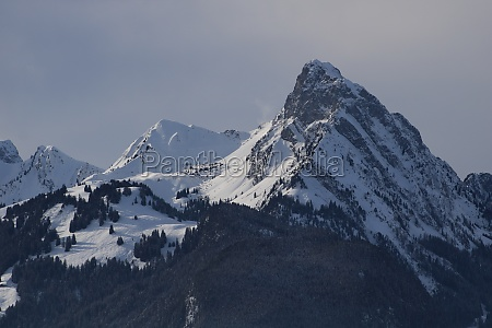 le rubli mountain seen from horneggli