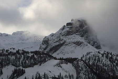 fog creeping over mount mittaghore