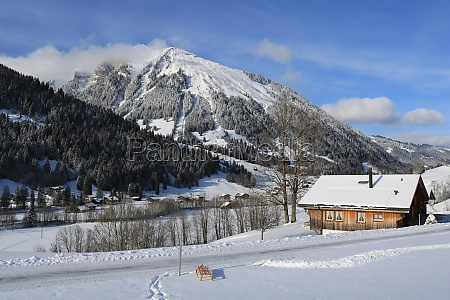 winter day in feutersoey swiss alps