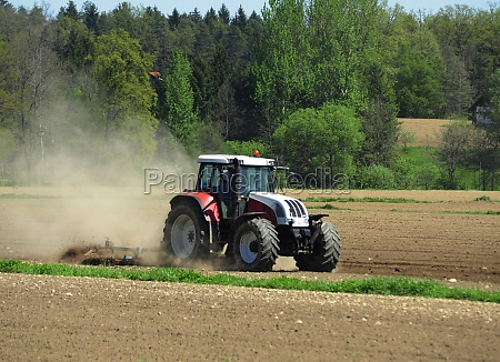 soil erosion in spring in agriculture
