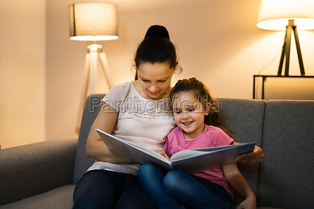 bedtime family story in evening