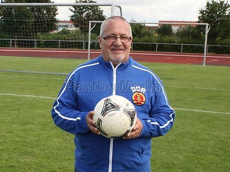 gdr footballer wolfgang steinbach