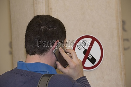 ban on mobile telephones sign