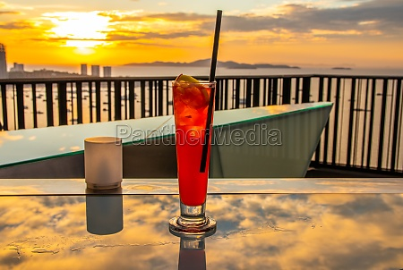 one singapore sling and one cosmopolitan