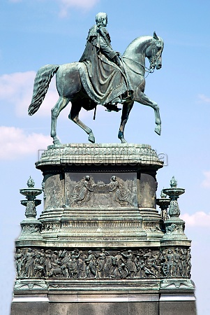 equestrian statue of the saxon king