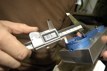caliper gauge for mechanical measuring