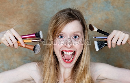 woman screaming for makeup