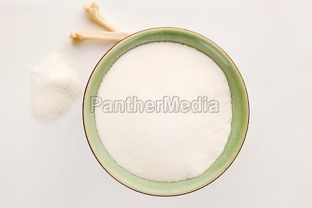 collagen powder in bowl