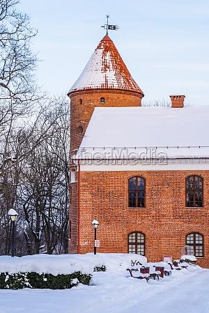 raudondvaris castle is a gothic renaissance