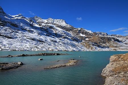 turquoise lake blanc and high mountains