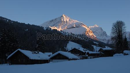 evening in feutersoey village near gstaad