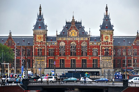 central station amsterdam centraal in amsterdam