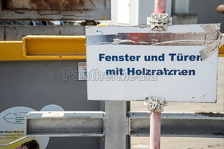 stations for waste separation in a