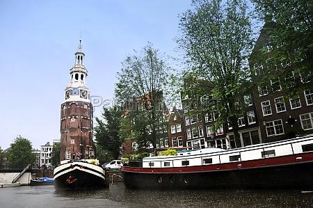 the montelbaanstoren in amsterdam