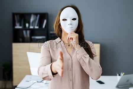 deceitful lying salesmen business fraud