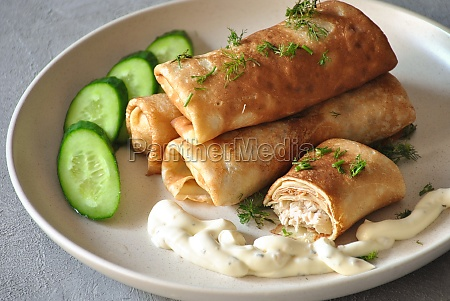 pancakes stuffed with meat russian