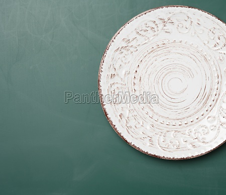 empty round plateplate for main courses