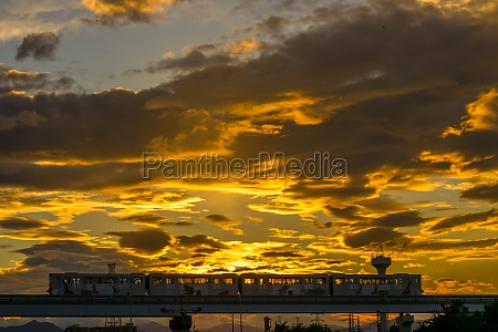standing date bridge and the twilight
