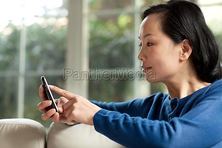 older people use mobile phones