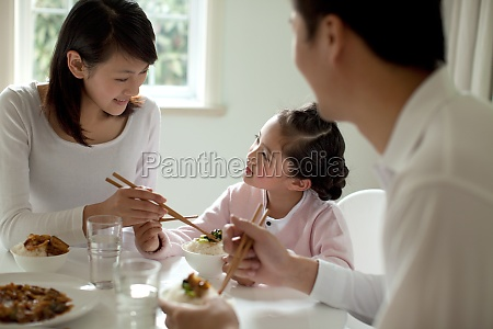 oriental dining mother mother and daughter