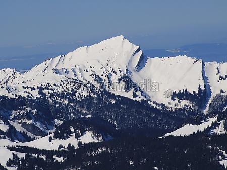 beautiful shaped mountain grosser speer in