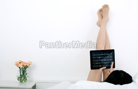 barefoot touch electronic photo album photo