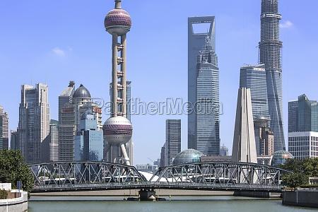 waibaidu bridge architectural exterior city life