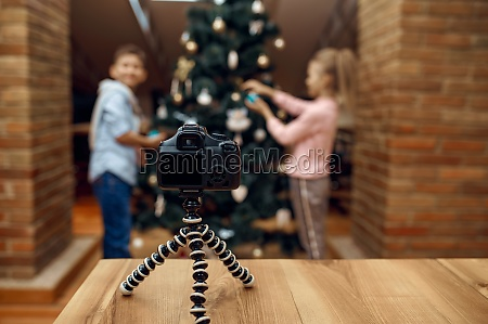 children bloggers recording xmas blog vloggers
