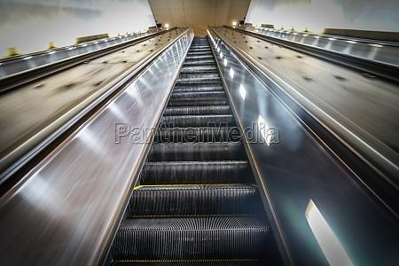 escalator image