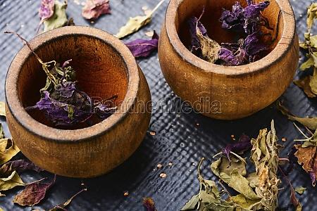 dried herb basil leaves