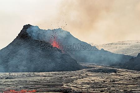 closeup of magma in fagradalsfjall volcanic