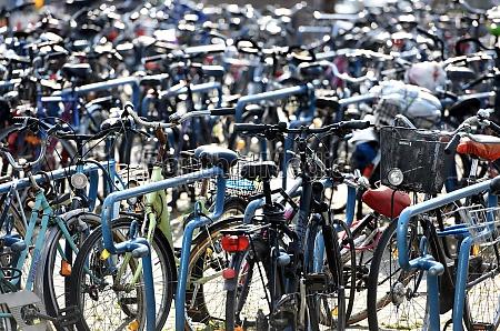 fahrrad abstellplatz in linz OEsterreich europa