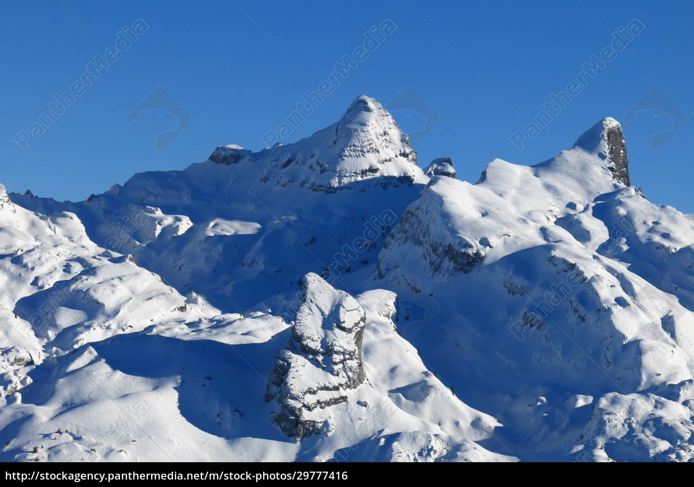 beautiful, snow, covered, mountains, in, central - 29777416