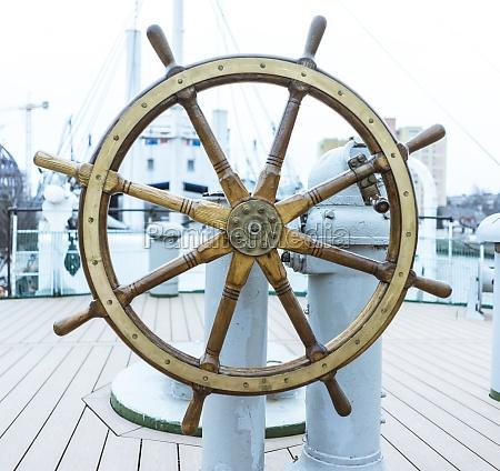 steering wheel ship