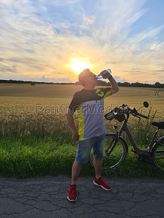 road cyclist resting