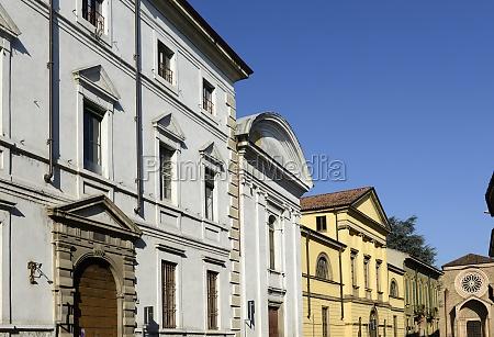 neoclassic buildings in old street lodi