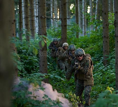 modern warfare soldiers squad