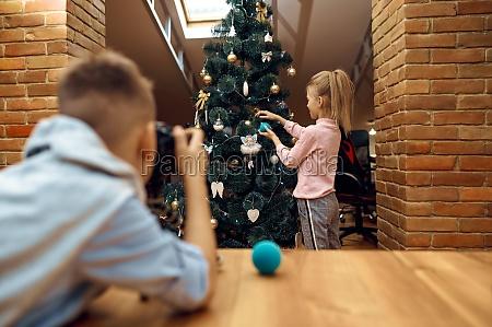 children bloggers recording christmas blog