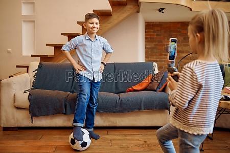 children bloggers makes football blog vloggers