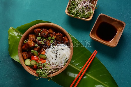 fried tofu with rice crystal noodles