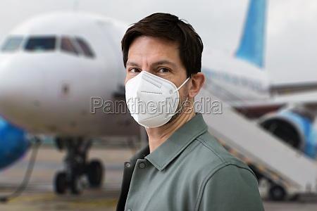 wearing ffp2 facemask in airport plane