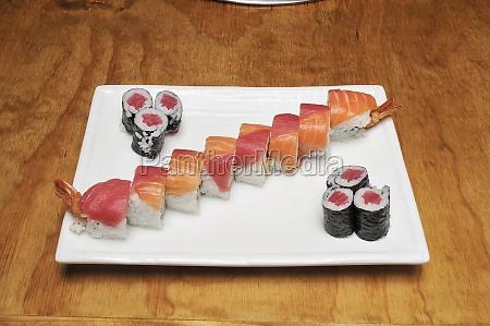 japanese rainbow sushi roll