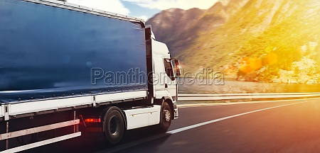 truck run fast on the highway