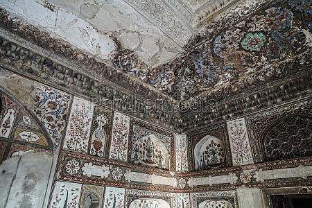 itimado uddaura mausoleum baby taj india