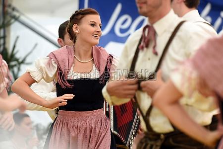 Öffentliche, aufführung, traditioneller, österreichischer, volkstänze, beim - 29871490