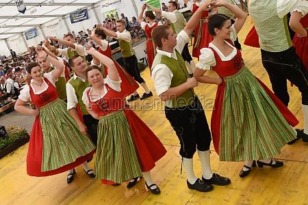 Öffentliche, aufführung, traditioneller, österreichischer, volkstänze, beim - 29871494