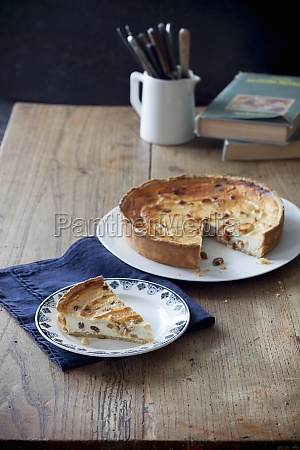 torta alla ricotta with dried fruits